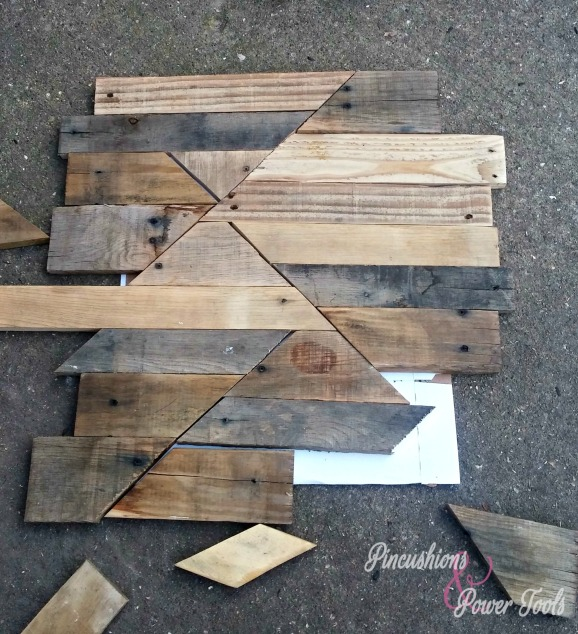 2_pallet_patchwork_patterned_nightstand_table_bed_layout